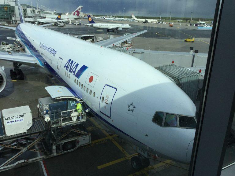 乗ってきたANAの機体