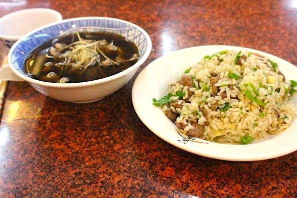 台南での食事